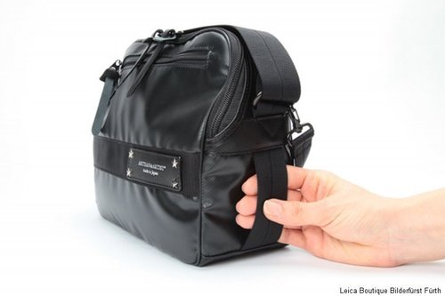 Artisan & Artist ICAM-1100 camera bag and iPad Camera Bag